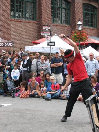 A street act at the Toronto Buskerfest - a portrait shot. © Colline Kook-Chun, 2013