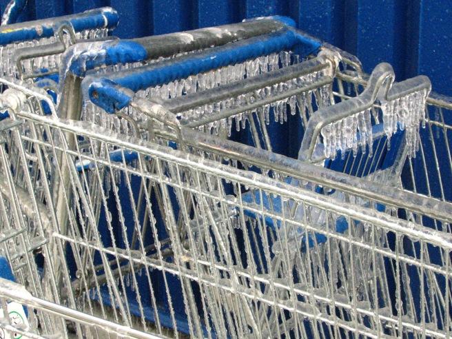 Icy Shopping cart. © Colline Kook-Chun, 2014
