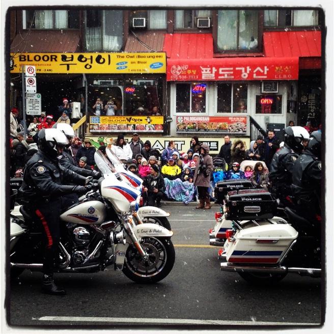 The parade begins. © Colline Kook-Chun, 2014