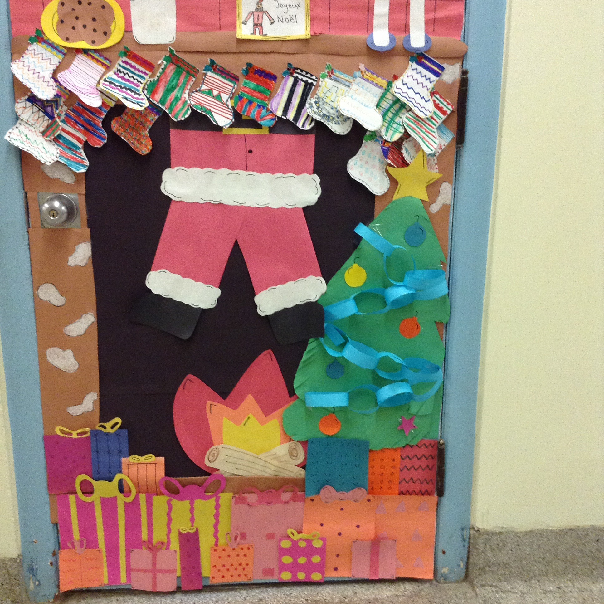 Christmas Decoration Classroom: Classroom Christmas Door